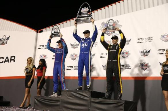 gatewaypodium2indycarcom.jpg